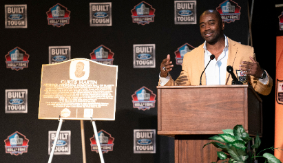 Football Hall of Famer Curtis Martin Returns to Alma Mater
